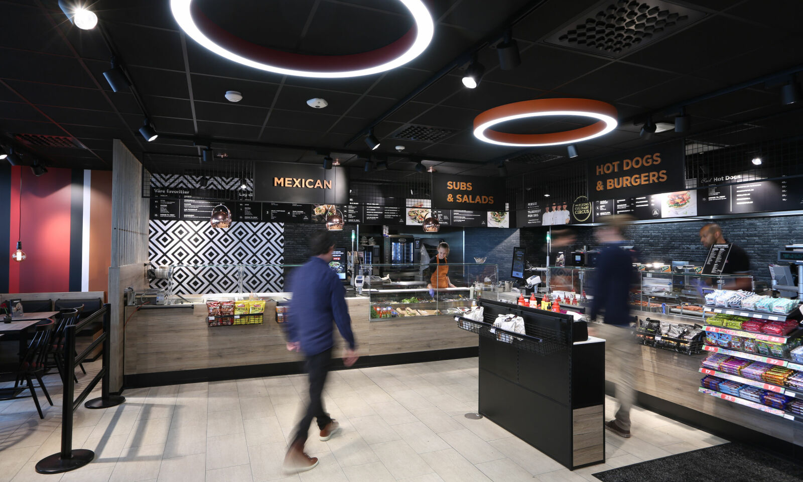 STORT UTVALG: Dette bildet er fra det nye matkonseptet på Circle K Økern i Oslo.