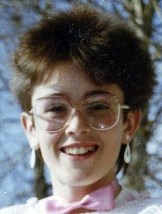 INGEBORG 12 ÅR GAMMEL: - Uten brillene fungerte jeg rett og slett ikke. Så da ble jeg brilleslangen. FOTO: Privat