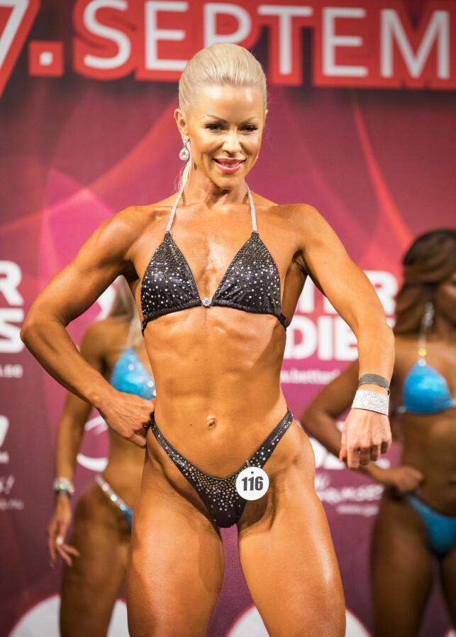 KREVENDE: Lene Alexandra Øien har lagt ned mye arbeid i bikinifitnesskroppen. Her fra norgesmesterskapet i fjor. Foto: Tor Lindseth/ Se og Hør