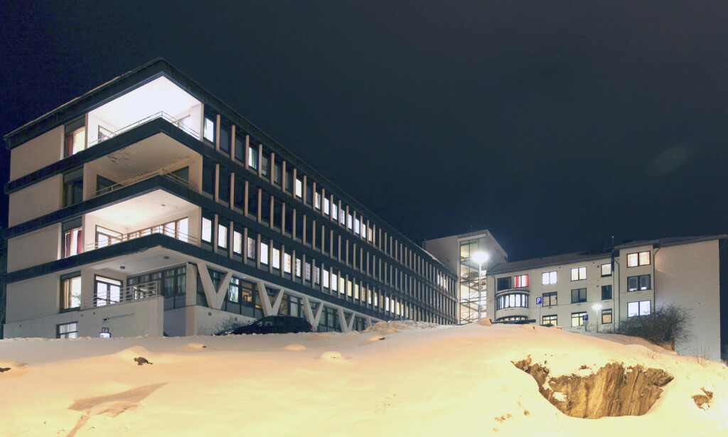 ALKOHOLFORGIFTNING: Sju mindreårige ble i natt innlagt på sykehuset i Narvik. Tre av dem ligger på observasjon, men vil bli skrevet ut i løpet av dagen. Foto: Michael Ulriksen / Scanpix