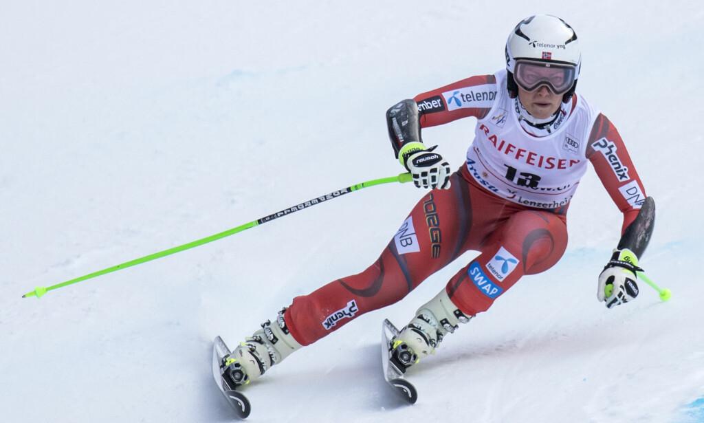 KJØRTE UT: Ragnhild Mowinckel lå på en tredjeplass foran andre del av kombinasjonsrennet, men kjørte ut. Foto: Jean-Christophe Bott/Keystone/AP