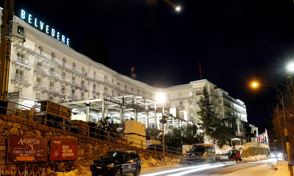 MØTEPLASS: Steigenberger Belvedere hotel i den sveitsiske alpebyen Davos fungerer som et viktig møtested for verdenseliten under Verdens økonomiske forum. Foto: Arnd Wiegmann / Reuters / NTB Scanpix