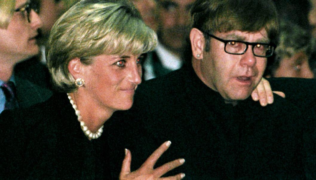 KONFLIKT: Prinsesse Diana av Wales og sir Elton John var venner i mange år, men hadde en periode der de ikke var på talefot. En telefon skulle derimot forandre alt. Foto: NTB scanpix