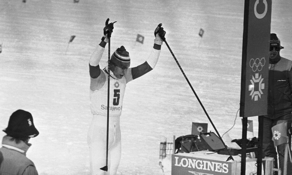 UNG MESTER: Gunde Svan inn til ett av sine OL-gull som 22-åring. Er han den eneste som tåler sammenligning med Johannes Høsflot Klæbo også i verdenscupen?. FOTO:AP /Tom Smart)