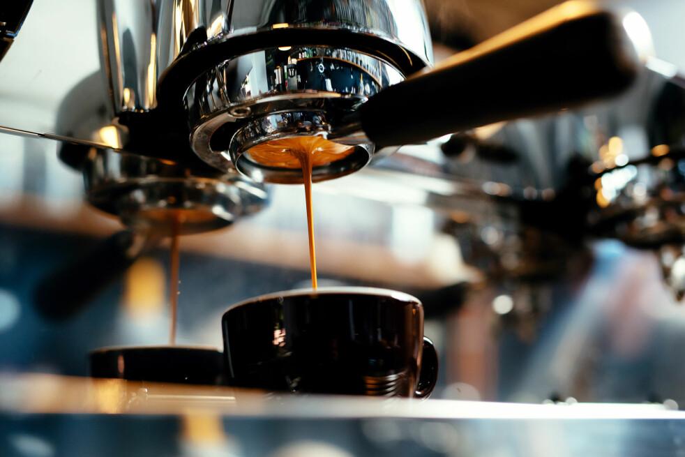 <strong>STORE FORSKJELLER PÅ ESPRESSOMASKINER:</strong> Svenske Testfakta har testet sju automatiske espressomaskiner med melkeskummere. Foto: Shutterstock/NTB Scanpix
