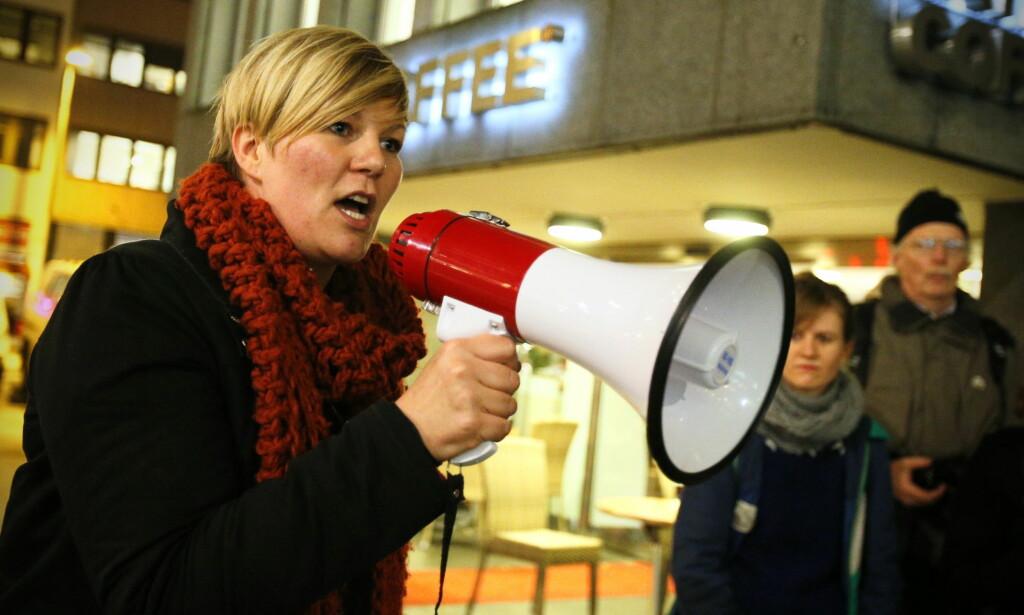 VARSEL TIL POLITIET: Partisekretær Benedikte Pryneid Hansen opplyser at Rødt fredag fikk et varsel som de har oppfordret varsleren til å politianmeldte. Bildet er fra en demonstrasjon i regi av ATTAC fra 2012. Foto: Audun Braastad / NTB scanpix