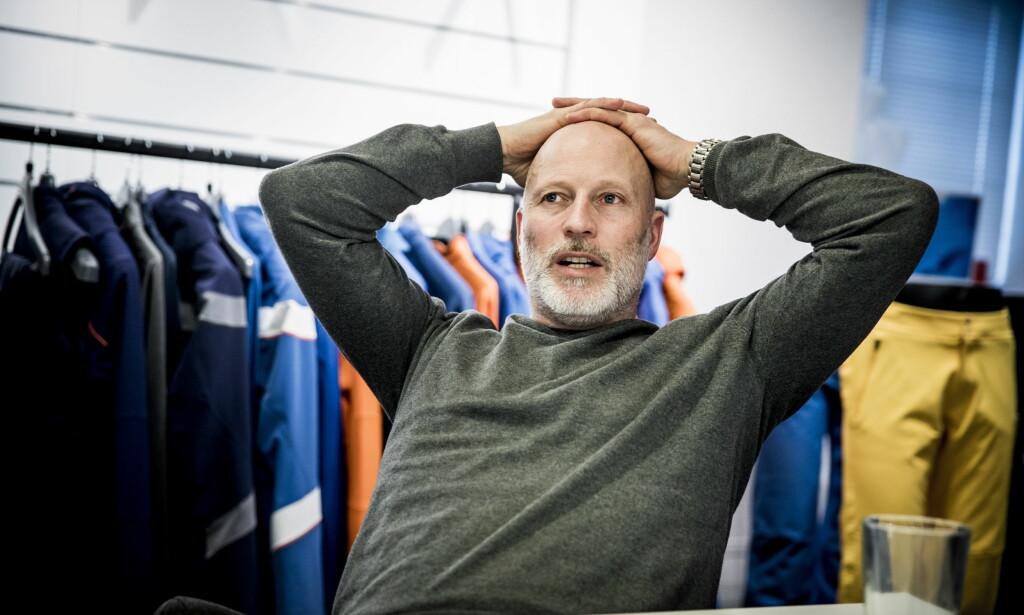 NYTER LIVET: Lasse Kjus stortrives i tilværelsen med eget klesmerke. Han savner overhodet ikke alpinkarrieren. Foto: Christian Roth Christensen