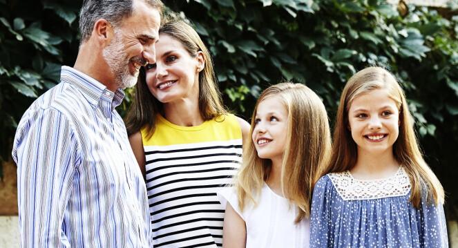 FIN FAMILIE: Kong Felipe og dronnong Letizia avbildet sammen med barna kronprinsesse Leonor og prinsesse Sofia. Foto: Rex/ Shutterstock/ NTB scanpix