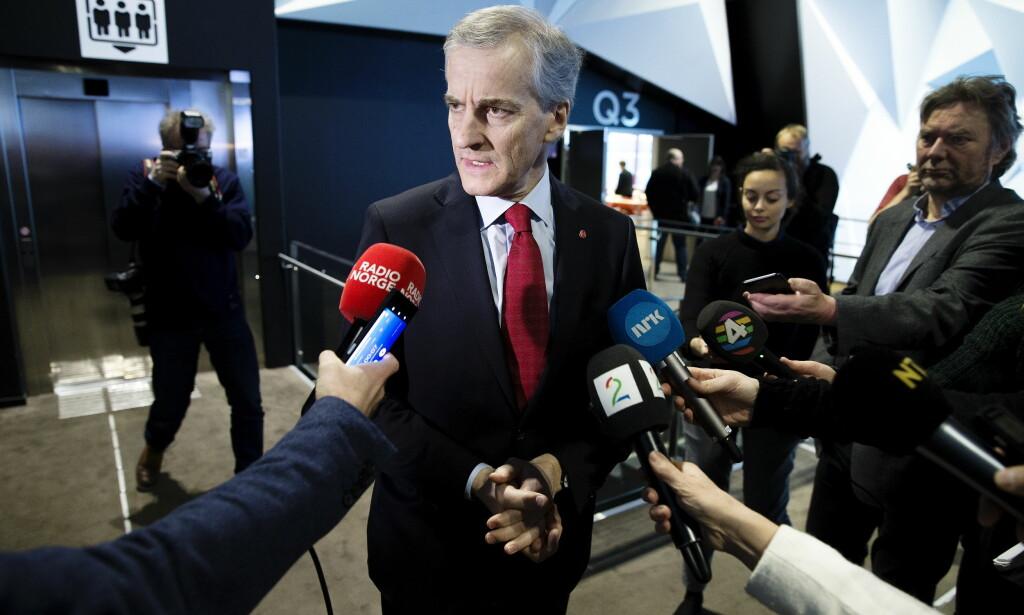 UNDER PRESS: Jonas Gahr Støre sier Ap skal reise seg etter metoo-saken, som har rammet partiet hardt. Nå ser ham framover, selv om partiet fortsatt er splittet. Foto: Henning Lillegård / Dagbladet .