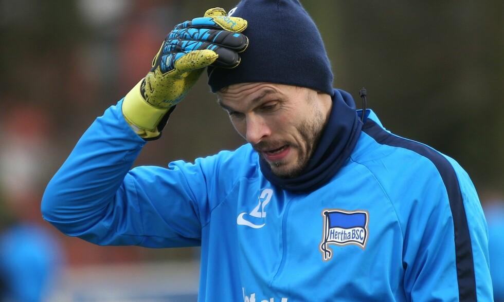 MUSKELTRØBBEL: Rune Almenning Jarstein har vært ute i to kamper for Hertha Berlin, men er nå tilbake i trening. Foto: NTB Scanpix