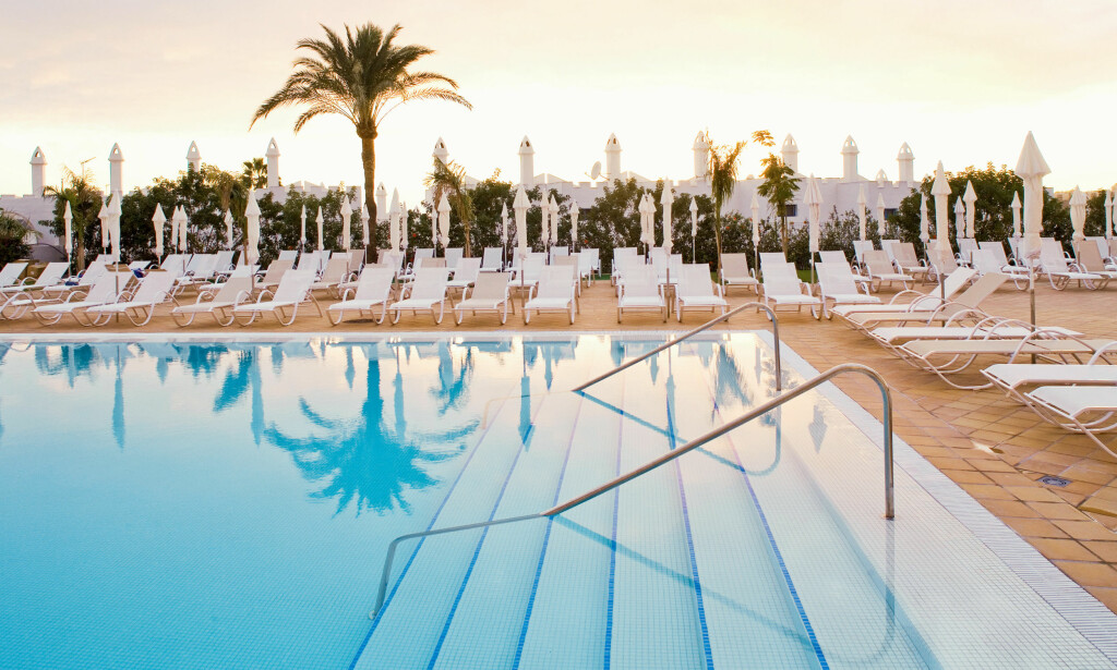 HER KAN DU BESTILLE: Sunprime Atlantic View er et av testhotellene hvor du kan forhåndsbestille solseng om du reiser med Ving. Foto: Ving