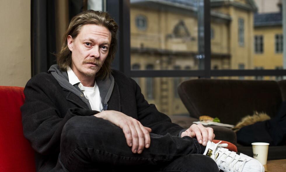 SKADET: Kristoffer Joner skulle egentlig spille hovedrollen i den kommende TV 2-serien «Kielergata», men må si fra seg rollen etter å ha brukket beinet. Foto: Andreas Lekang / Dagbladet