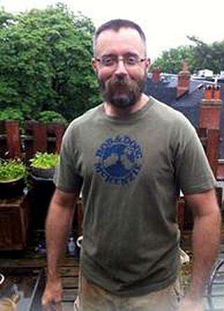 DREPT: Andrew Kinsman var glad i tilværelsen. Da han plutselig forsvant ble vennene svært bekymret. Foto: Scanpix