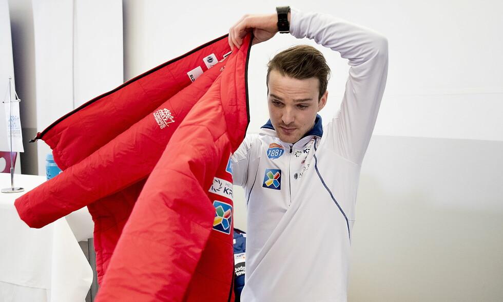 TELLER NED: Jørgen Graabak tok to OL-gull i kombinert for fire år siden. Nå forbereder han et nytt mesterskap.   Foto: Bjørn Langsem