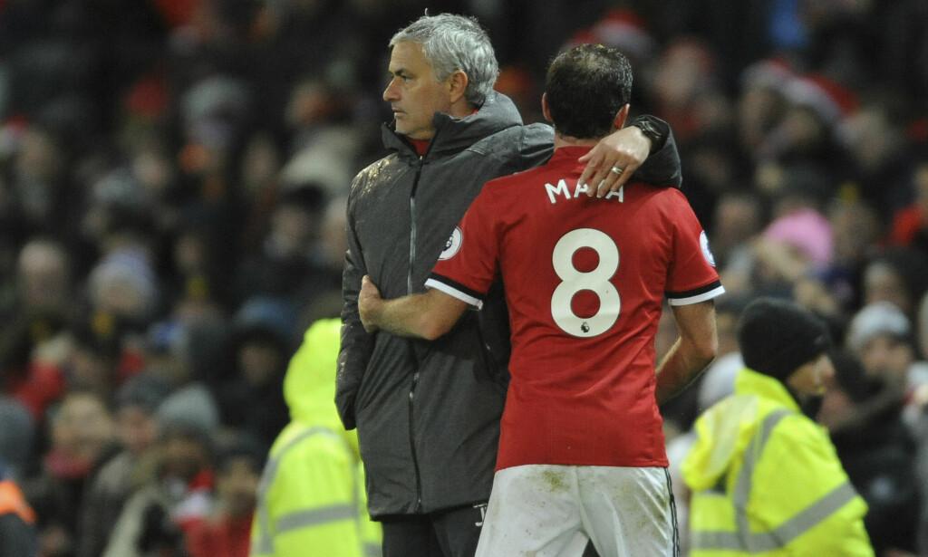 FORLENGER: Manchester United-manager José Mourinho fortalte tirsdag at Juan Matas kontrakt er forlenget så den gjelder til sommeren 2019. Foto: Rui Vieira, AP / NTB scanpix
