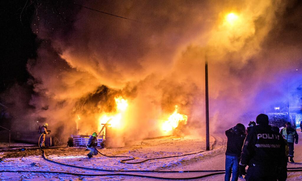 UKJENT: Det er foreløpig ikke kjent hvem som omkom i brannen tirsdag kveld. Foto: Christian Clausen / NTB scanpix