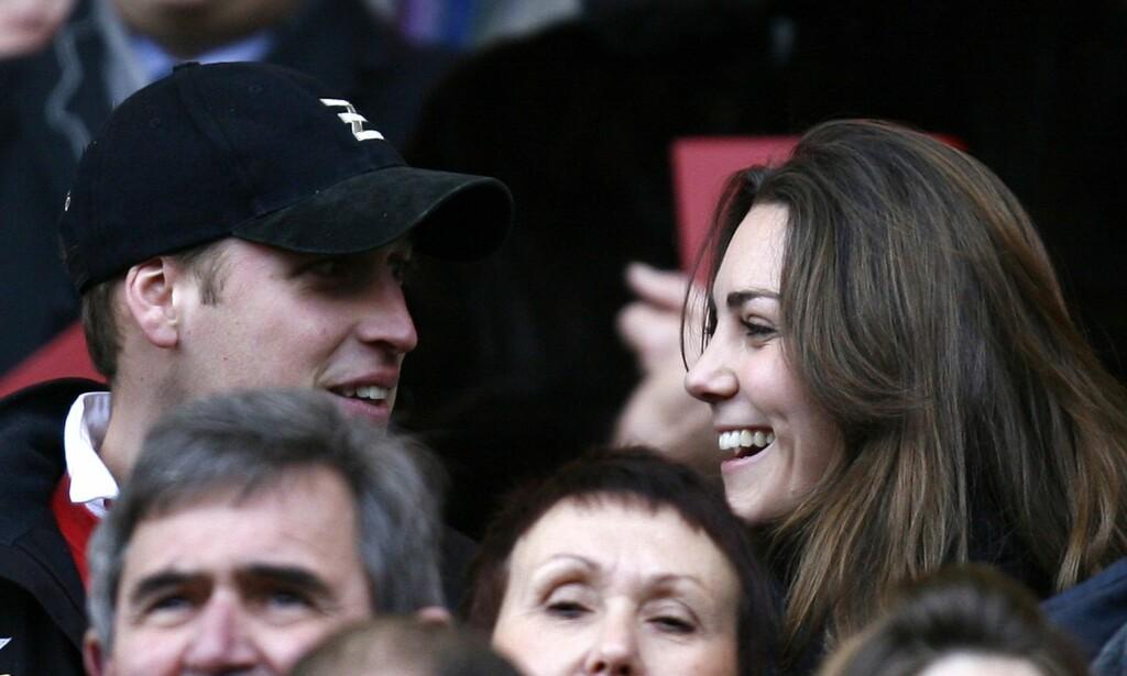 HÆLLENDUSSAN: William kunne giftet seg med et fjernt familiemedlem, men gikk for Catherine. Det kan han umulig angre på. Foto: NTB scanpix