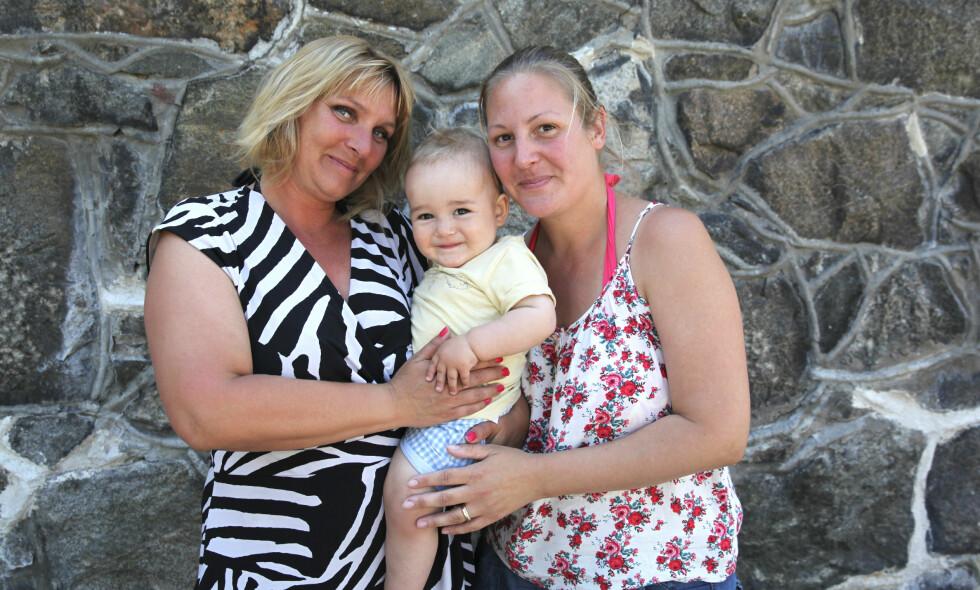 UNIKT SØSTER-SAMARBEID: Linda (t.v.) og Lolita med underverket Cash-Douglas.