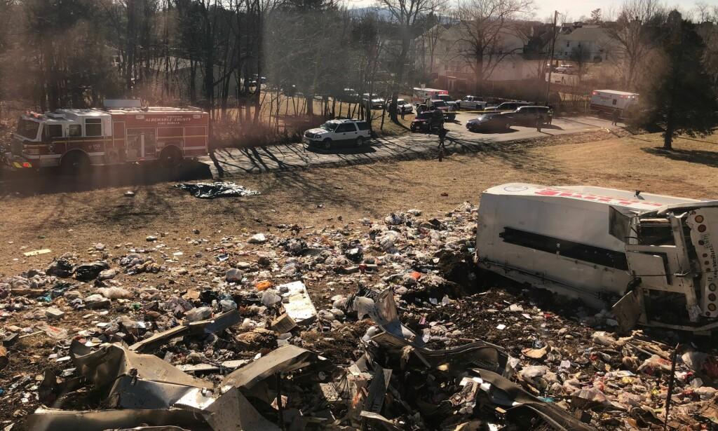 KRAFTIG KOLLISJON: Et tog kolliderte med en lastebil i Virginia onsdag. Foto: AP Photo/NTB Scanpix