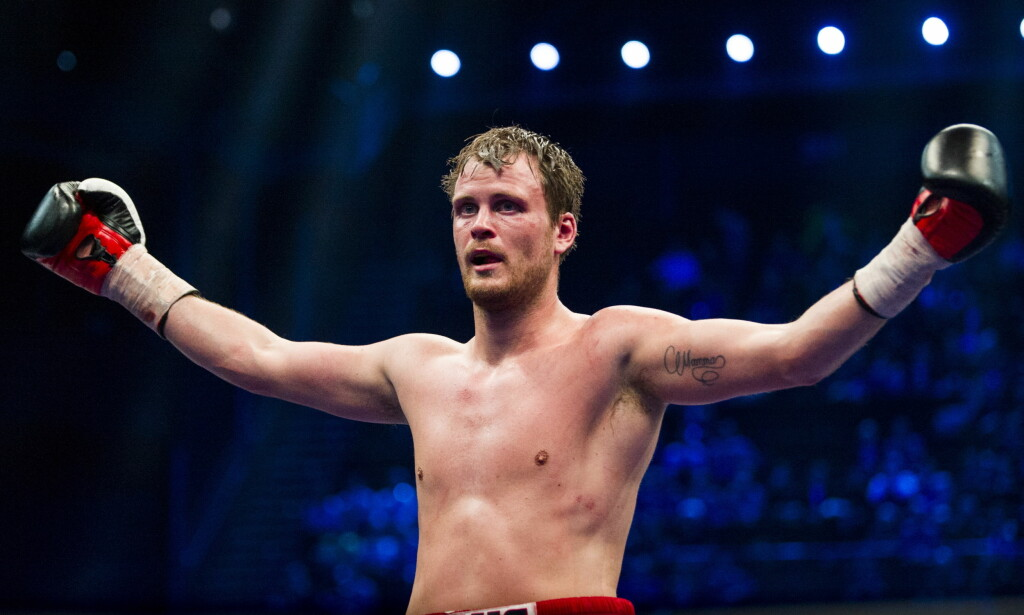 OPPGITT: Tim-Robin Lihaug var sikker på at han hadde vunnet over Tomas Adamek, men det viste seg å være feil. FOTO: Andreas Lekang