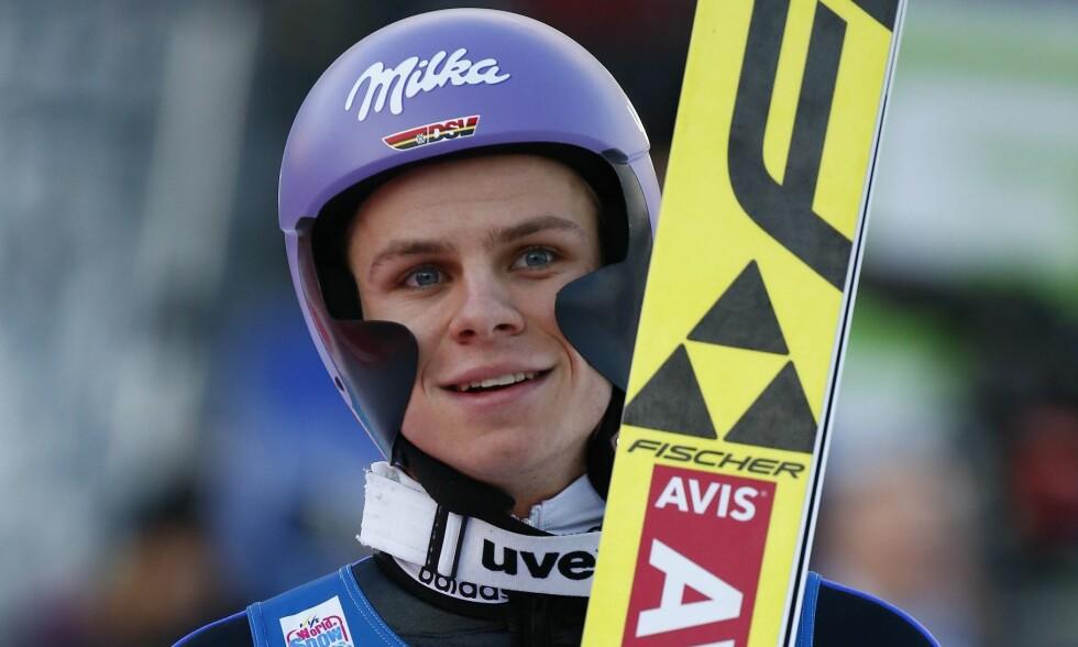 PRØVER SEG FRAM: Andreas Wellinger og tyskerne har eksperimentert med hjelm som har «vinger» på sidene. Foto: NTB scanpix
