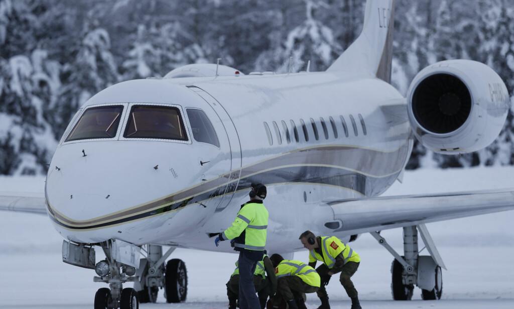 PRIVATFLY: Her har flyet til Kate og William landet i Norge. Foto: NTB scanpix