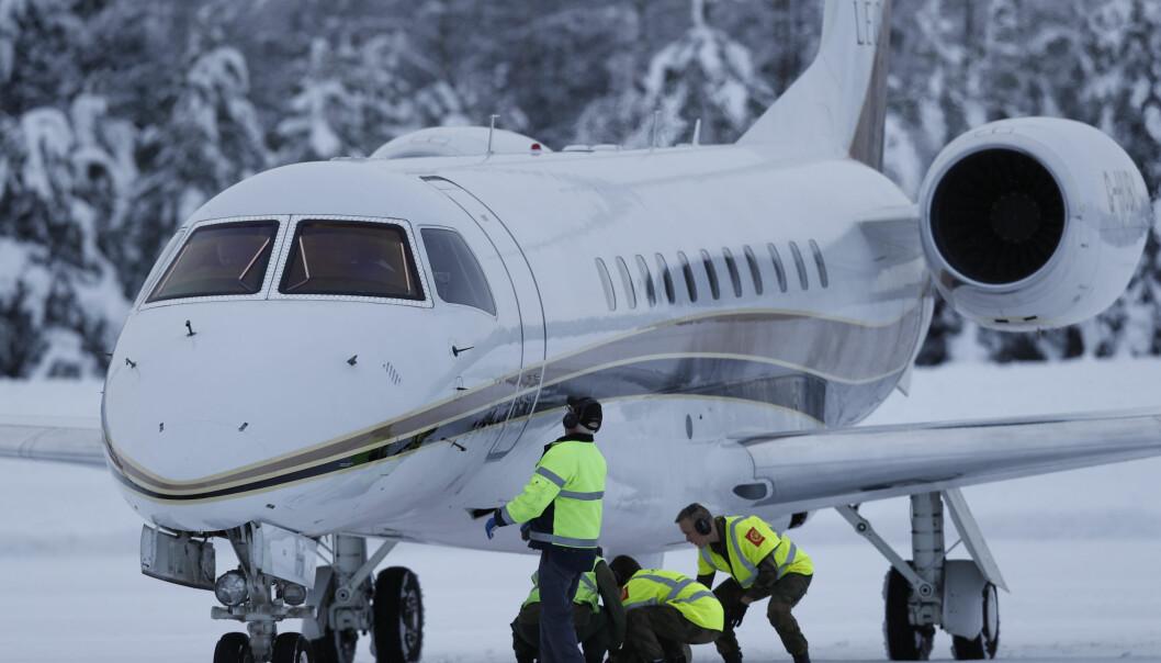 <strong>PRIVATFLY:</strong> Her har flyet til Kate og William landet i Norge. Foto: NTB scanpix