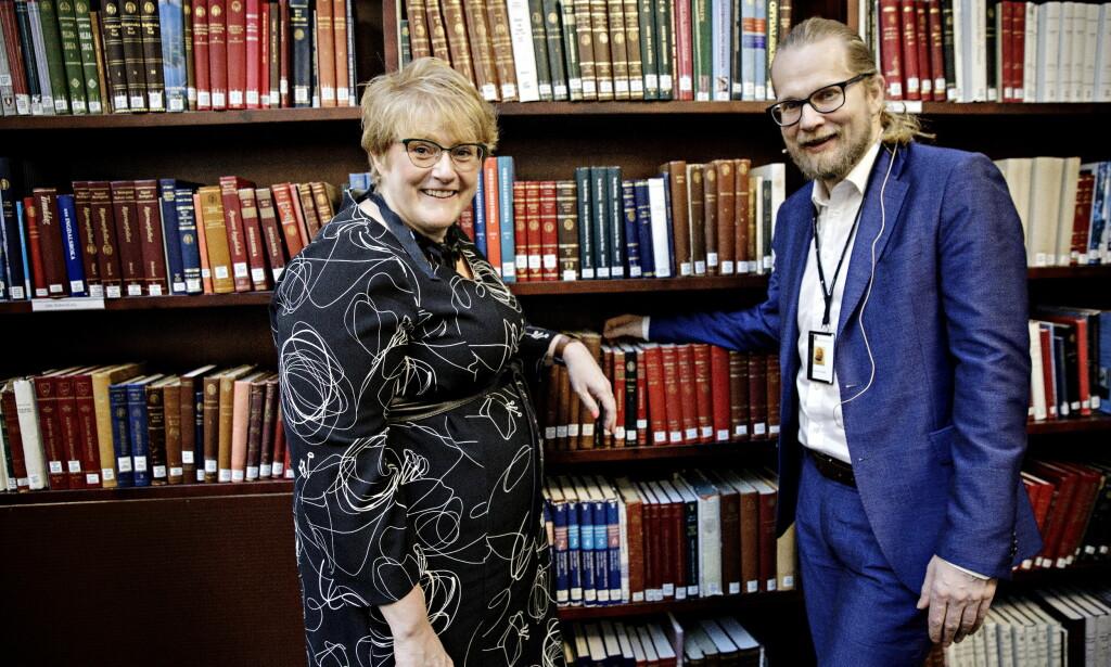 GRATIS BØKER: Direktør for Nasjonalbiblioteket, Aslak Sira Myhre markerer ferdigstillelsen av bokhylla.no sammen med kulturminister Trine Skei Grande Foto: Nina Hansen / DAGBLADET
