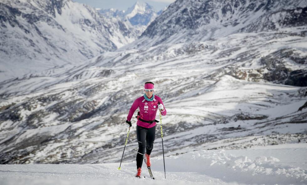 MEDALJEGROSSIST: Charlotte Kalla tok med seg tre medaljer fra Sotsji-OL. Nå venter vinter-OL i Pyeongchang. Her fra en trening i oktober 2017. Foto: Bjørn Langsem / Dagbladet.