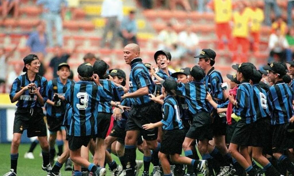POPULÆR: Fenomenet Ronaldo var et stort forbilde for mange i Inter. Foto: FourFourTwo
