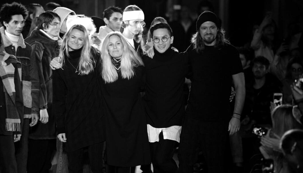 HOLZWEILER: Like etter at deres nyeste kolleksjon ble presentert, måtte Susanne Holzweiler (t.v.) komme seg tilbake til Oslo for å delta på gallamiddag med prins William og hertuginne Kate. Foto: Copenhagen Fashion Week