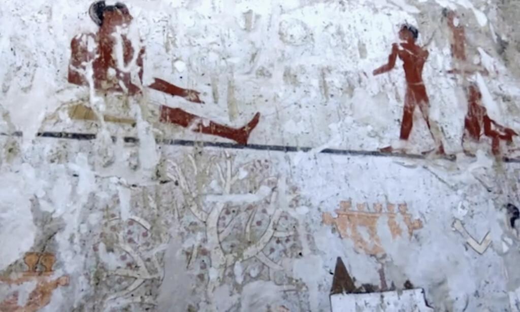 TILHØRTE KVINNE: Graven skal ha tilhørt en kvinne med navnet Hetpet, som arkeologene tror sto nær de egyptiske kongelige i det femte dynastiet, som varte i årene fra 2494 til 2345 før Kristus. Foto: AP/APTN/Scanpix