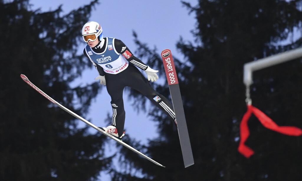VANT: Den svært talentfulle hopperen Marius Lindvik var en av de fire som utgjorde Norges lag. Foto: AP Photo/Alik Keplicz