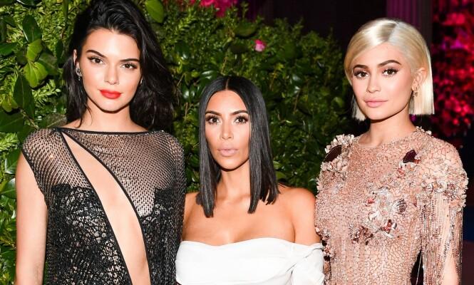 <strong>BERØMTE SØSTRE:</strong> Kylie Jenner (t.h) avbildet med søstrene Kendall Jenner (t.v) og Kim Kardashian. Foto: NTB scanpix