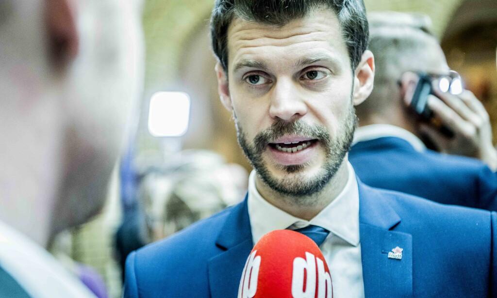 MISTILLIT: Bjørnar Moxnes (R) skriver at han er overrasket hvis flertallet på Stortinget har tillit til Sylvi Listhaug (Frp). Foto: Thomas Rasmus Skaug / Dagbladet