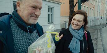 image: Ble avbrutt i filminga av folk som ville takke Fugelli