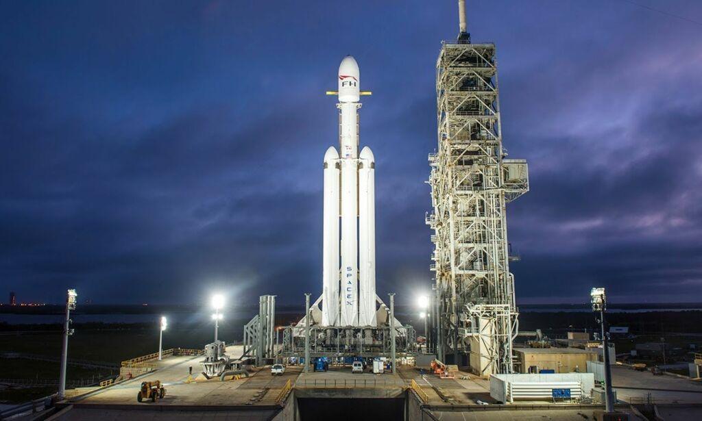 image: Her blir «Falcon Heavy» skutt opp i verdensrommet