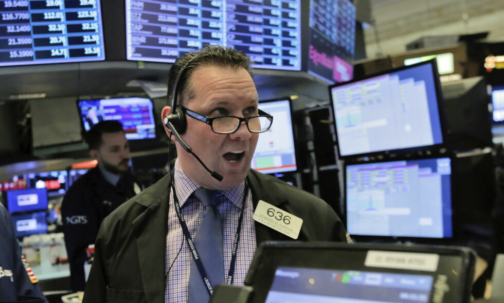 OPPTUR: Dow Jones-indeksen endte opp 2,3 prosent da Wall Street stengte tirsdag. Foto: AP Photo/Richard Drew