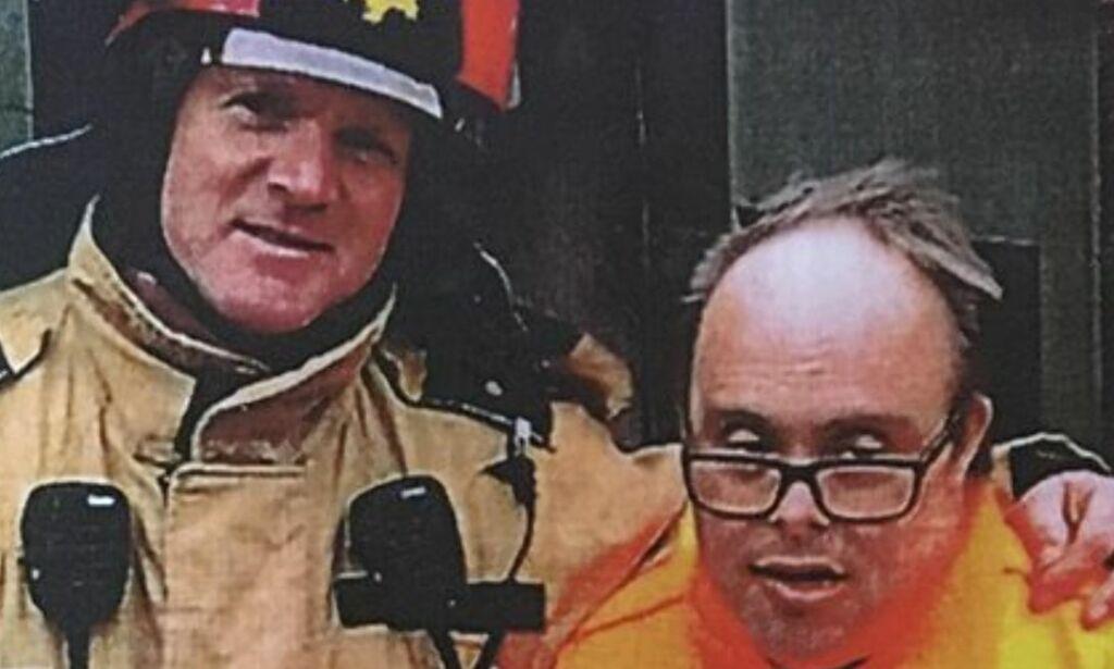 image: Da Ove skulle bisettes, søkte de etter seks brannmenn som kunne bære kista. Responsen var overveldende