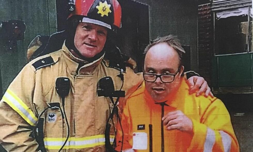 <b>ENTUSIAST: </b>Ove hadde besøkt de fleste brannstasjonene i området der han bodde utenfor København. Foto: Privat
