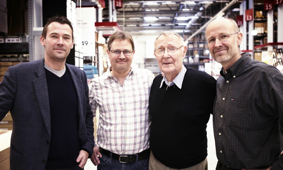 MILLIARDÆRER: Jonas (t.v), Mathias, Ingvar og Peter er de fire gutta i Kamprad-familien, som i sin tid stiftet Ikea. Ingvar gikk bort i januar, og det er sønnene som blir sittende igjen med milliardformuen. At de er rike, er imidlertid ikke noe de skryter av. Foto: Ikea
