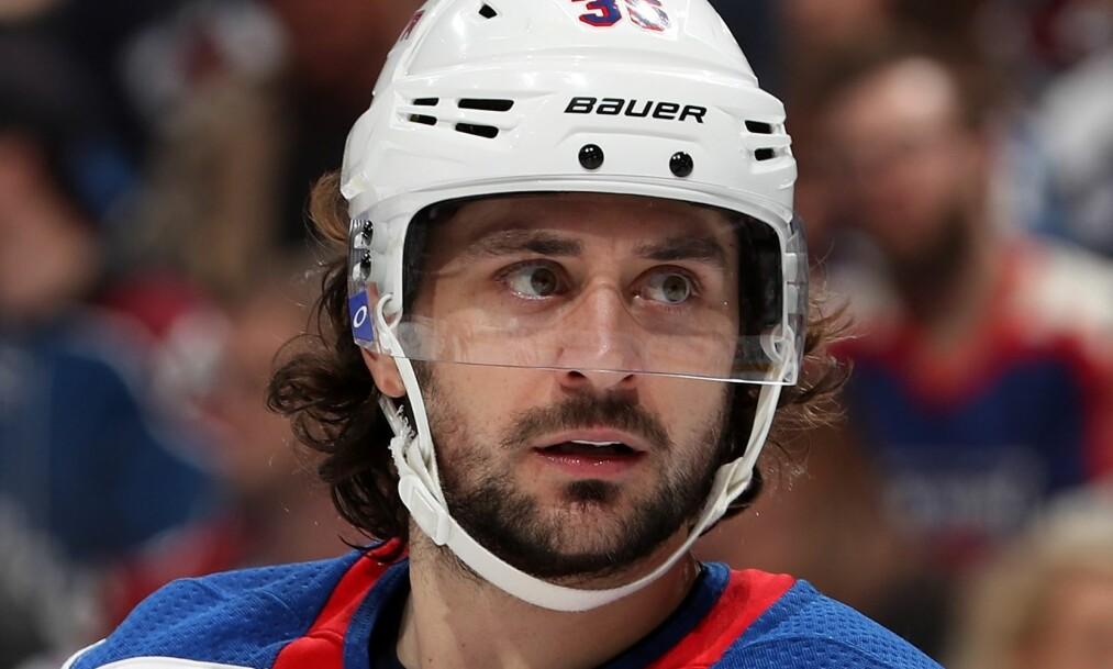 TAP: Mats Zuccarello og hans Rangers tapte hele 1-6 for Boston Bruins. Nå ryktes det at eierne vil bytte bort en rekke av spillerne. Foto: Matthew Stockman/Getty Images/AFP