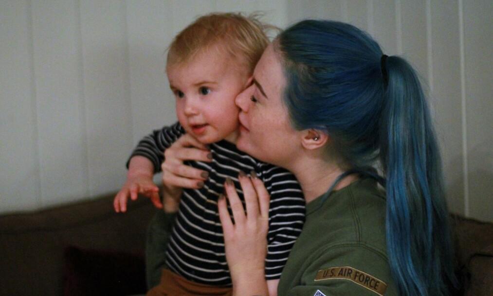 BO I KOLLEKTIV MED BARN: Cathrine hadde flere betenkeligheter med å flytte inn i et kollektiv med sønnen Denzel, men ble positivt overrasket over hvor fint det gikk. Foto: Privat