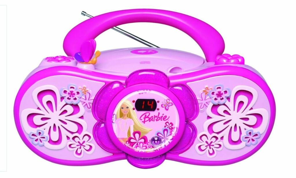 UBRUKELIG I NORGE: Denne Barbie-radioen myntet på småjenter har bare FM. Dermed kan ikke barna høre verken på NRK Super, MP3 eller noen andre riksdekkende radiokanaler myntet på unge. Foto: Amazon.com
