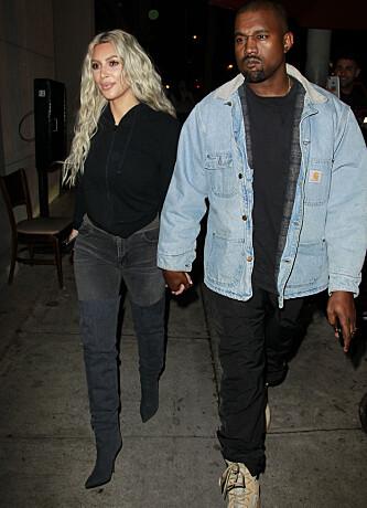 <strong>STJERNEDUO:</strong> Kim sammen med ektemannen Kanye West tidligere i år. Foto: NTB Scanpix