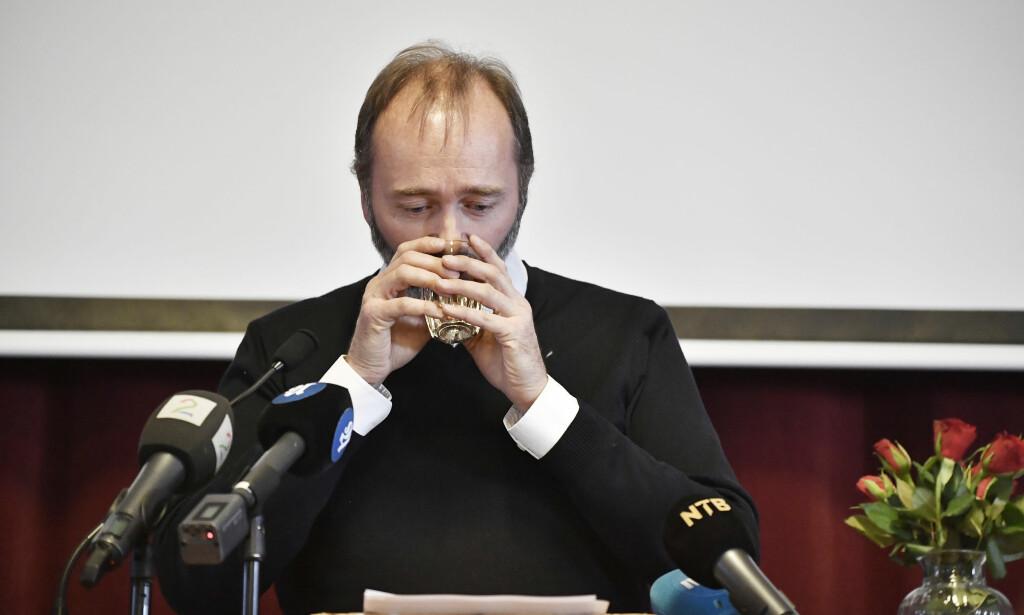 NERVØS: Trond Giske innrømmer at han var nervøs da han skulle holde tale under konstitueringen av Orkland AP. Foto: Lars Eivind Bones / Dagbladet