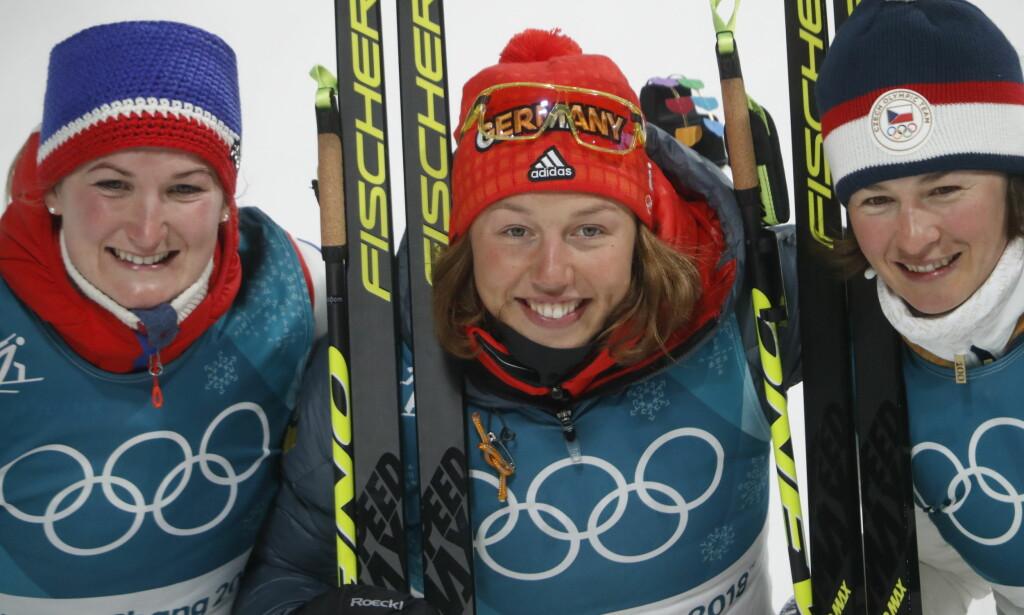 PALLEN: Marte Olsbu, Laura Dahlmeier, Veronika Vitkova. Foto: Bjørn Langsem / Dagbladet