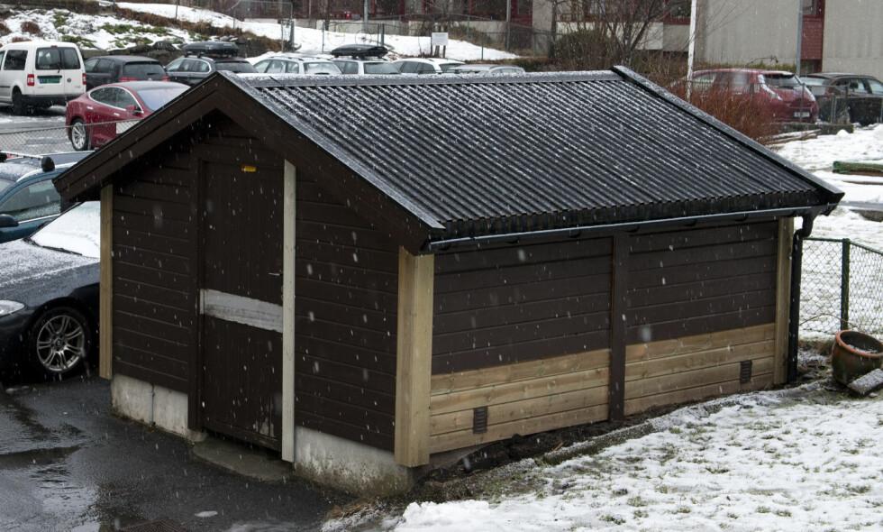 Bergen, Norway 20180211. En 43 år gammel mann er siktet for å ha drept en 70 år gammel kvinne på Landås i Bergen lørdag kveld. Drapsvåpenete ble funnet i dette søppelskuret. Foto: Tor Erik H. Mathiesen / NTB scanpix