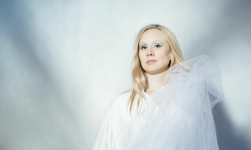 STERK VOKALIST: Susanna Wallumrød er en sterk fortolker av tekster. Og kresen i sitt låtvalg. Foto: Anne Valeur