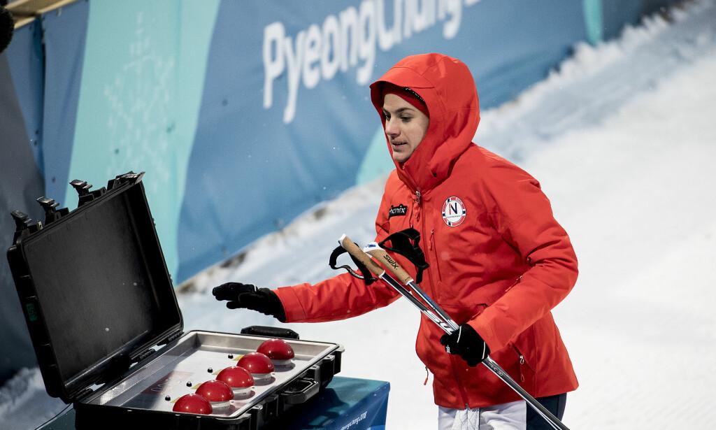 FORVIRRET: Heidi Weng, som her velger hvilket heat hun vil gå i i kvartfinalen i OL-sprinten, var forvirret og forfjamset etter sprintprologen. Foto: Bjørn Langsem / Dagbladet